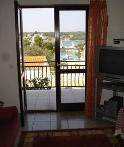A3-Indira Apartments - Lovište