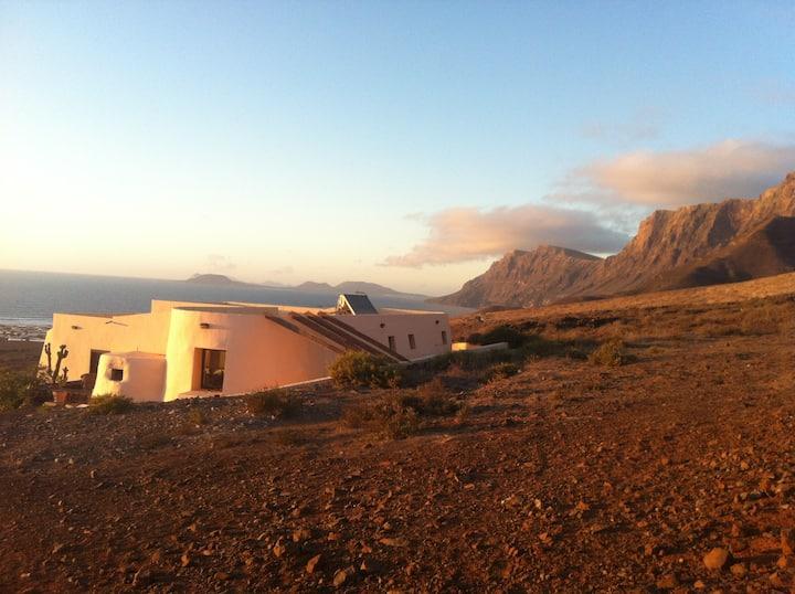 Eco Lodge Famara - Lanzarote (whole villa)