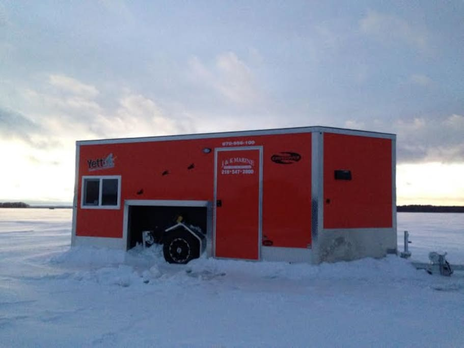 Leech lake fish house on the ice camping cars for Leech lake ice fishing