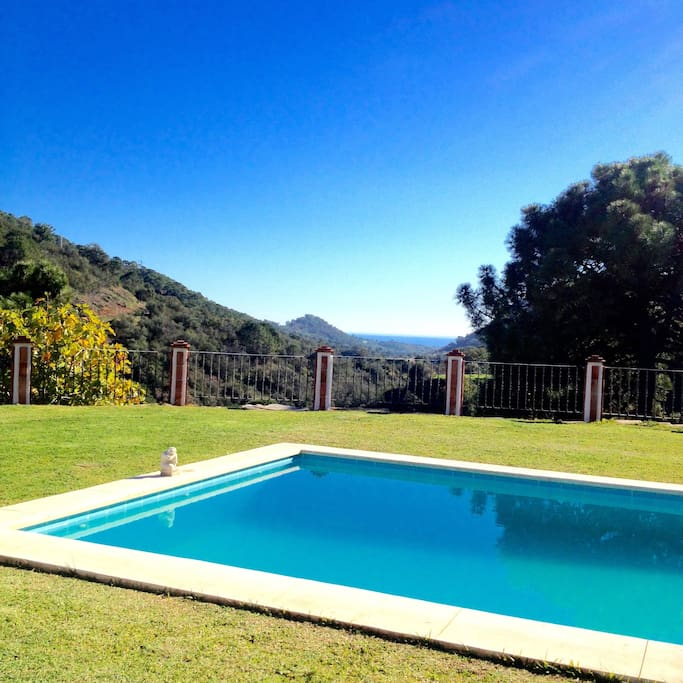 Swimming Pool with views to the coast. (Costa del Sol)