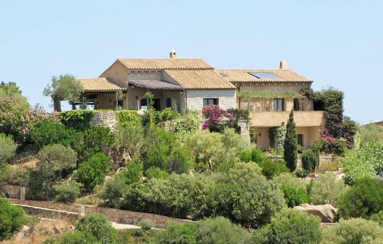 Casa in campagna - Cannigione - House