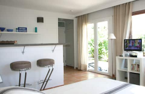 Charming Studio in cassis calanques