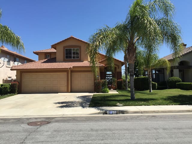 Your Home away from Home! - Lake Elsinore - House