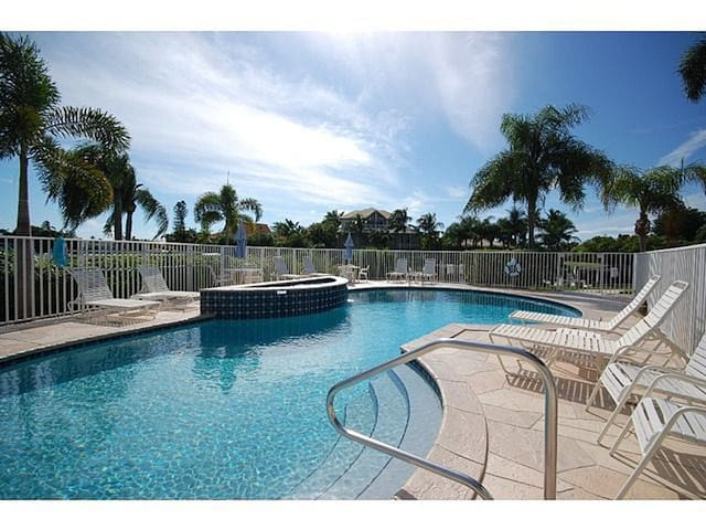 Relaxing Waterfront Condo W/ Pool View