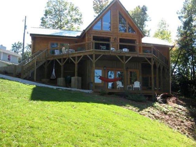 Lake Wedowee Log Home