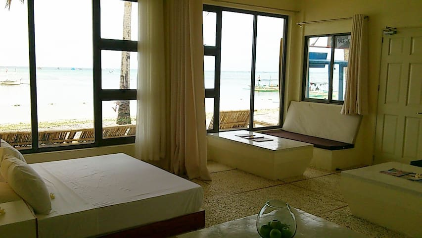 Absolute Beachfront 1 Bedroom Apt - Malay - Appartement