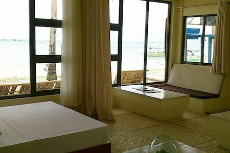 Absolute Beachfront 1 Bedroom Apt - 馬來 - 公寓