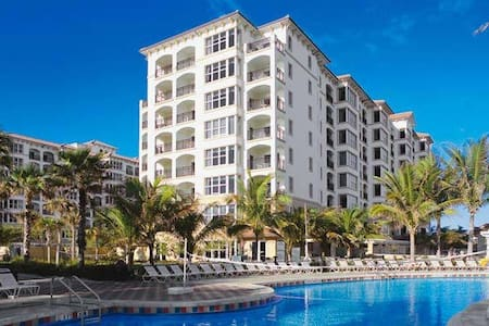Marriott's Ocean Pointe Palm Beach Shores dec 24th - Condominium