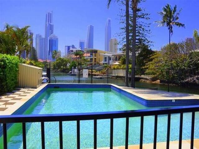 Central paradise on water : city views - Surfers Paradise - Apartemen
