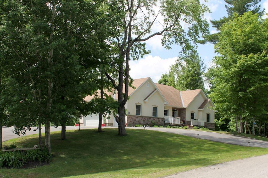 Apartment Guesthouse Quot Oving Estate Quot Apartments For Rent