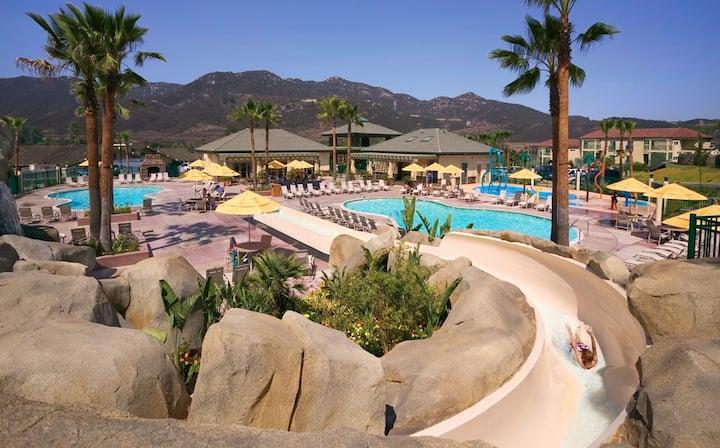 Welk resort Large 820sqft 1bd Suite Max 4 guests