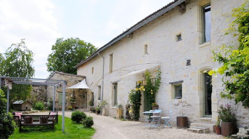 La Chabotterie 16 Century Farmhouse - Loudun - Casa