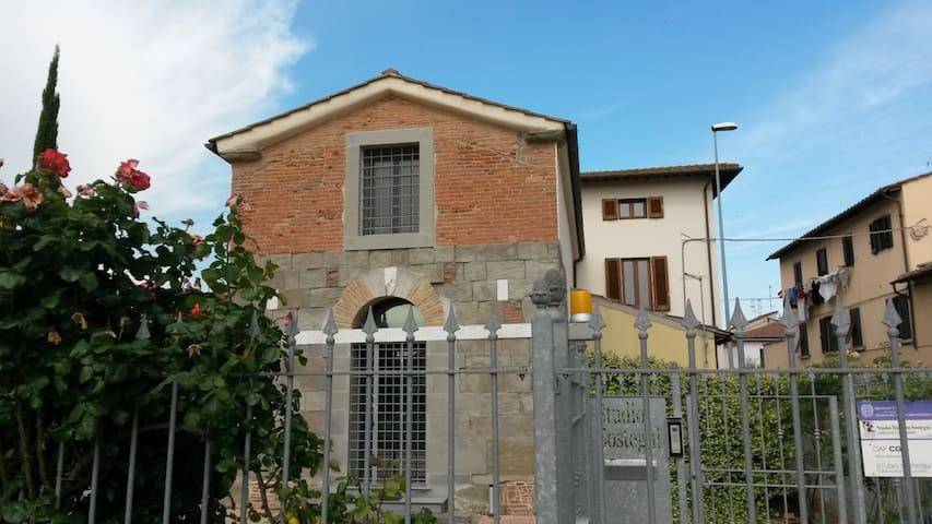 Erik's home  Vinci + Florence (25minuti di treno) - Empoli - Flat