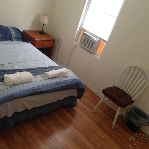 #M2LH,25 mins to NYC,AC/heat,can sleep 2 friends - Jersey City - Apartamento