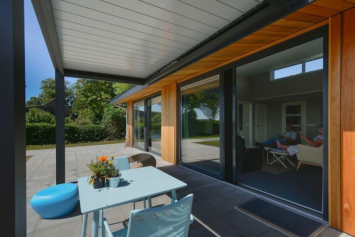 Vrijstaande (zorg)woning bij Grevelingenmeer - Zonnemaire - House