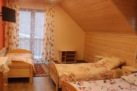 warm beige room - Jasienica - Σπίτι