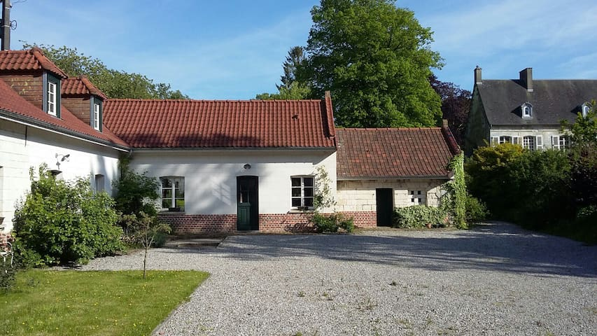 Farmhouse, exceptional surrounding - Bours