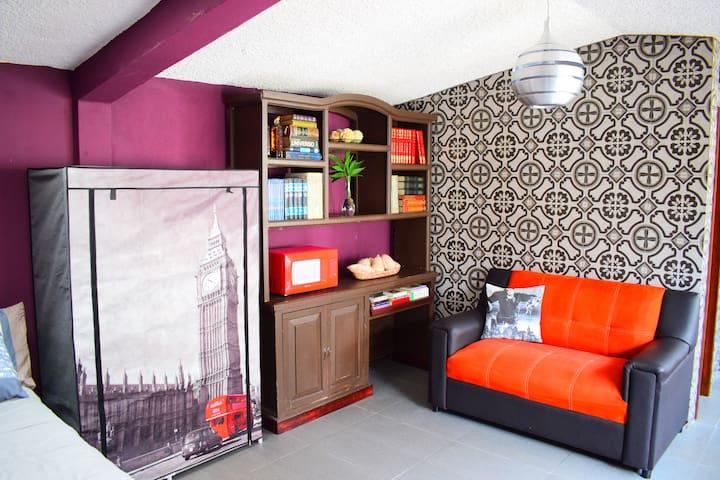 Loft acogedor con decoración contemporánea