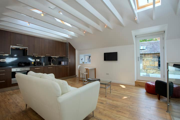 Luxury mews in central Edinburgh