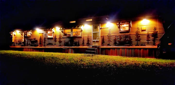 Glamping Extraordinaire! Adventure Accomodations!