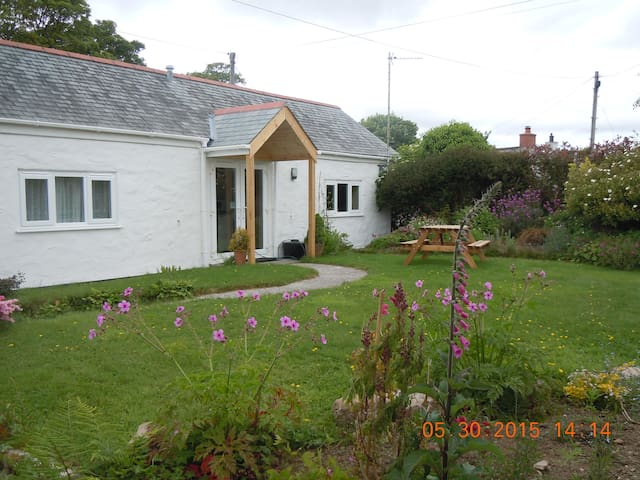 The Mill - 1 bed detached cottage near Constantine - Falmouth - House