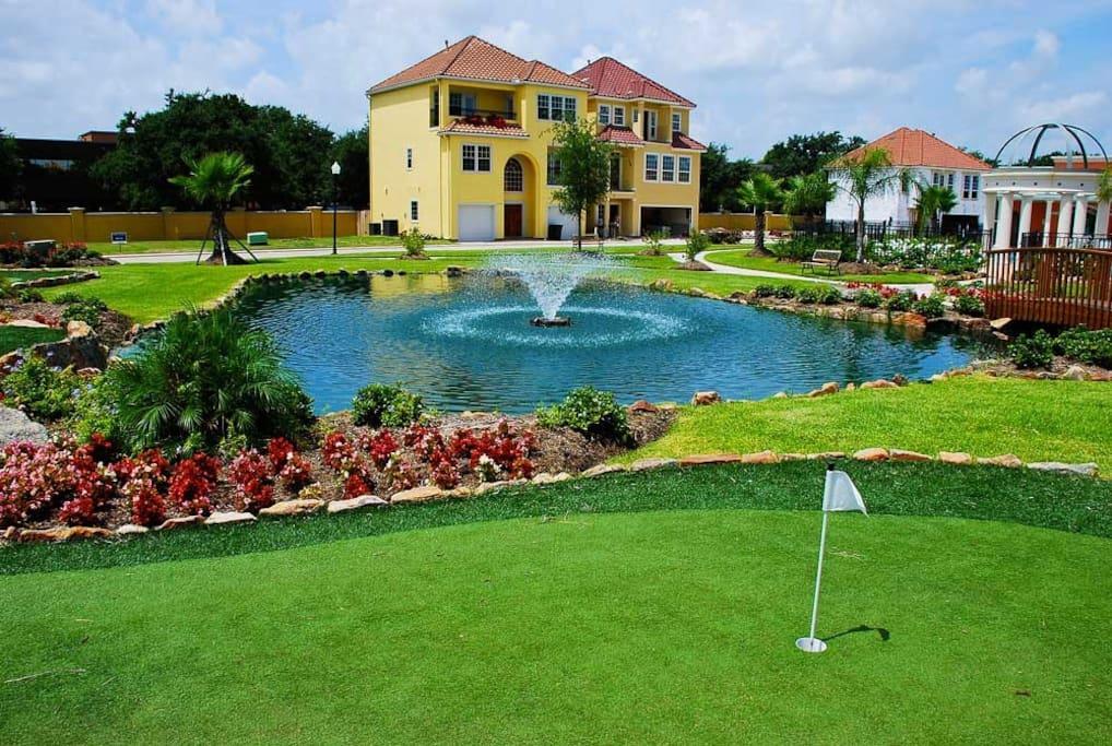 Elegant Mediterranean Style Villa Houses For Rent In