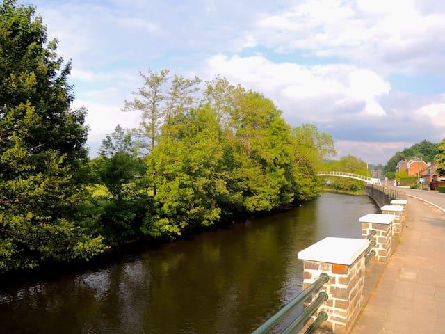 Chambre à Hotton sur la rivière - Hotton - Bed & Breakfast