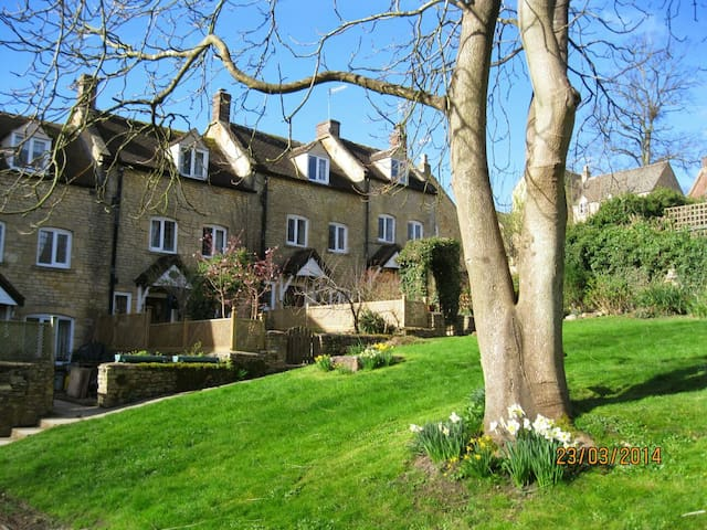 Charming hide-away Cotswold cottage - Blockley