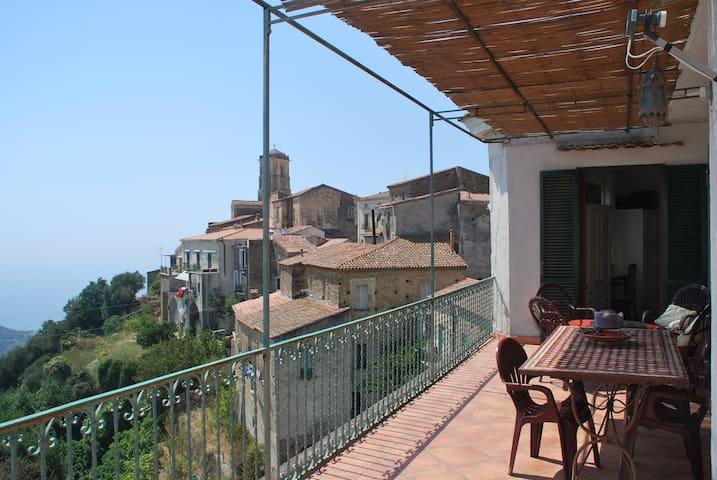 Accogliente casa,terrazzo panoramic - Pollica - Huis