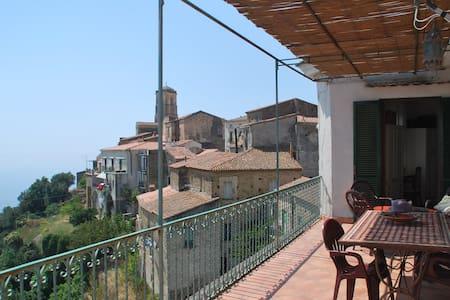 Accogliente casa,terrazzo panoramic - Pollica - Hus