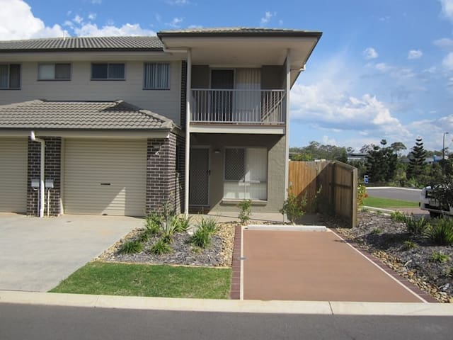 U1-83 Bass Court North Lakes - North Lakes - Townhouse