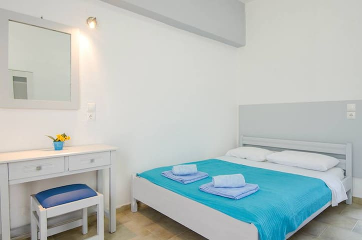 Cosy studio with pool -11- Ialisos - Ialysos - Daire