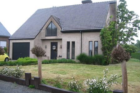 La gallina van de Vlaamse Ardennen - Geraardsbergen - Haus
