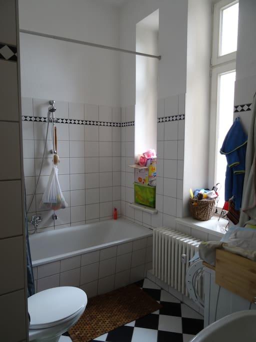 3 raum wohnung 90qm hell zentrum appartements louer. Black Bedroom Furniture Sets. Home Design Ideas