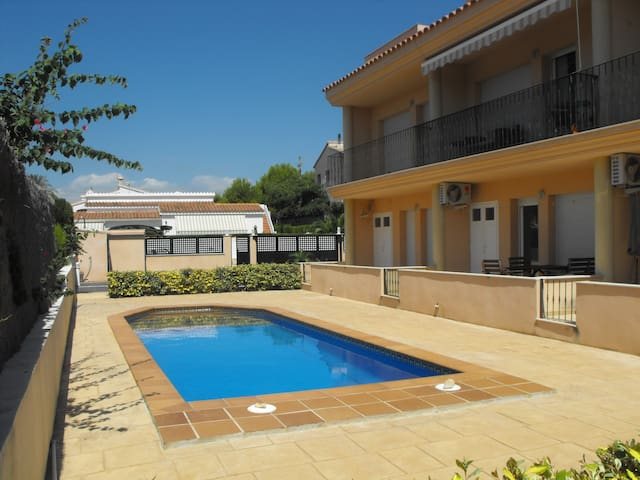 Seaside apartment on Costa Dorada!