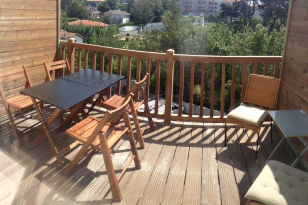 La terrasse équipée