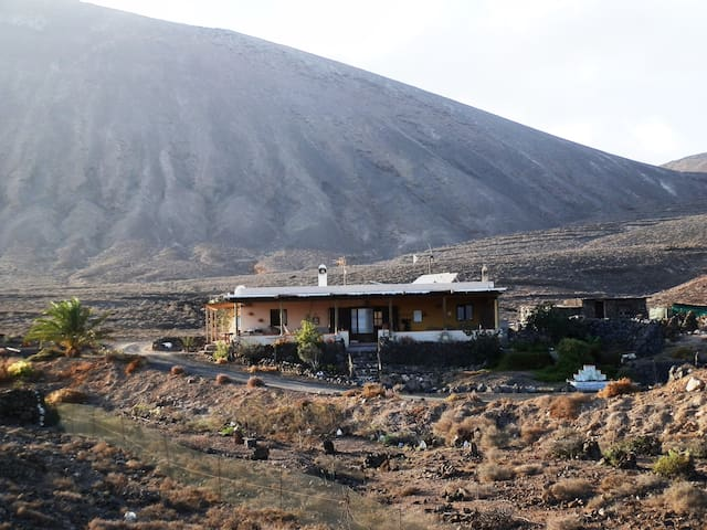 Finca Rural Pitaya -   Apto. Tótem - Guatiza - Appartement