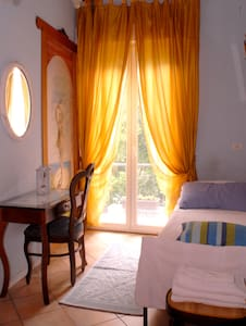 1 letto camera terrazzino - Bed & Breakfast