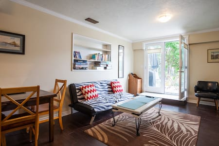 Hummingbird Heights one bed suite