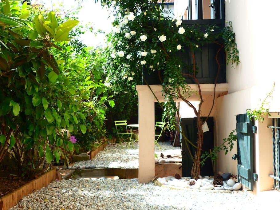 Joli jardin privatif