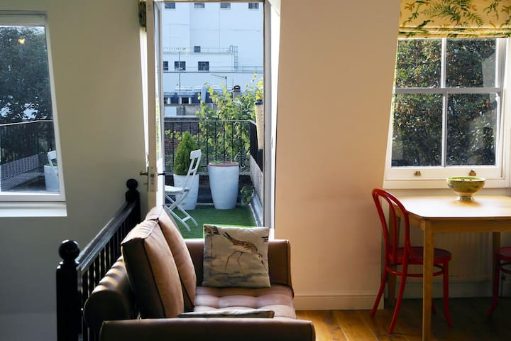 Amazing London apartment with rooftop terrace