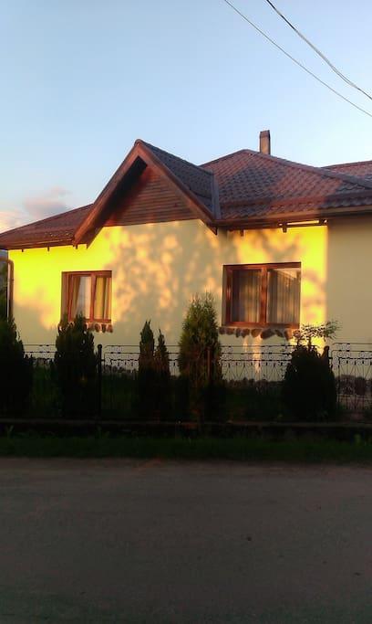 Casa accogliente per ospitare voi case in affitto a for Ospitare qualcuno in casa