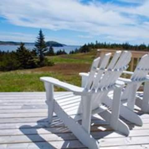 SKERWINK HOUSE 4.5 stars, overlooking Trinity Bay