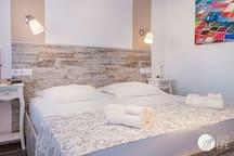 Doppelschlafzimmer mit TV