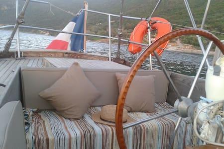 2 cabines dans un voilier de charme - Sainte-Maxime - Bateau