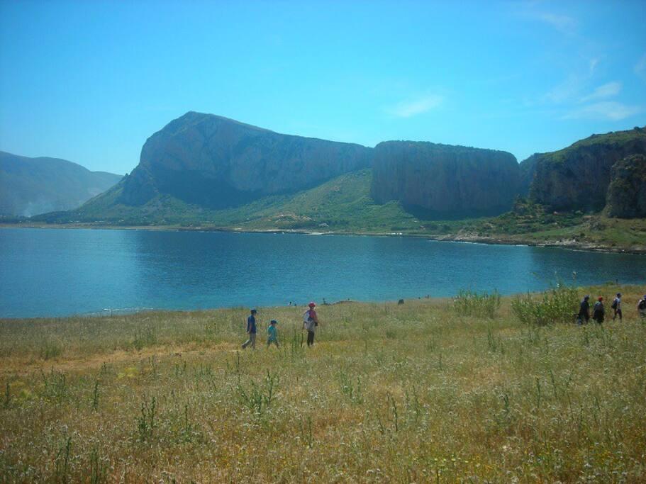io e i miei figli alla riserva di monte Cofano