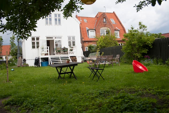 House with garden near city & beach - Copenhague - Villa