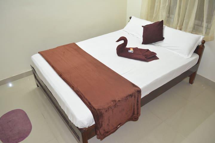 FLAT 1 - bedroom 2