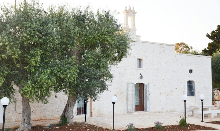 Charming villa with 10 sleeps and private pool
