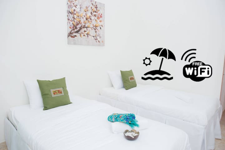 Ibai Beach Guesthouse-TWIN DELUXE W BALCONY B3